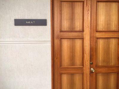 La Puerta Cerrada De La Comisión
